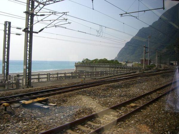 鐵路、山與海