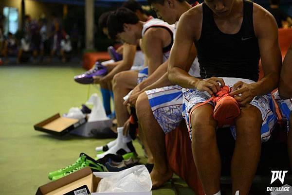 球鞋對於球員來說就是最或不可學的裝備之一,挑好自己的戰鞋,然後上場奮鬥吧!