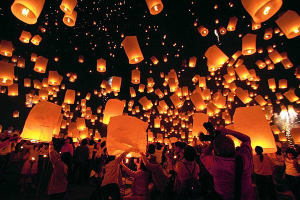 泰國水燈節