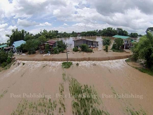 泰國28個府遭洪水襲擊已造成10人遇難