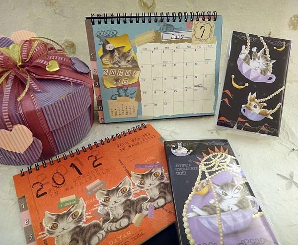 2012桌曆+手帳本-1.JPG