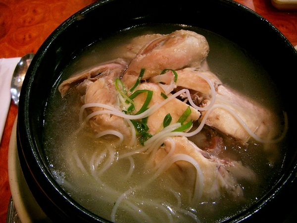 到達韓國第一餐--人參雞