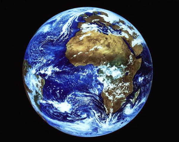 earth01.jpg