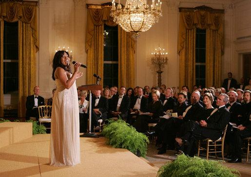 Melinda_Doolittle_performs_in_the_East_Room_of_the_White_House.jpg
