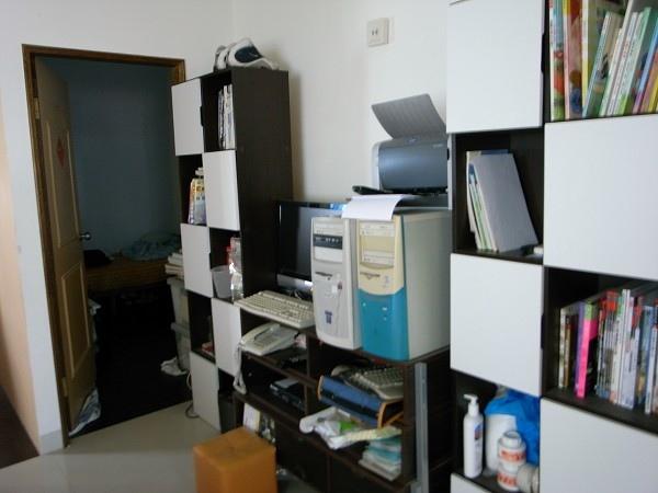 整理前客廳電視櫃