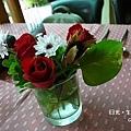 桌上小花瓶