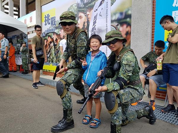 國防知性之旅-成功嶺營區開放8.jpg