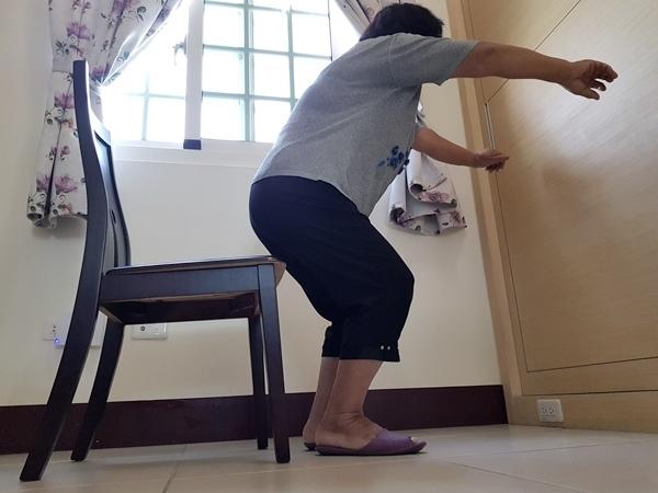 蹲馬步增強長者下肢整體功能.jpg