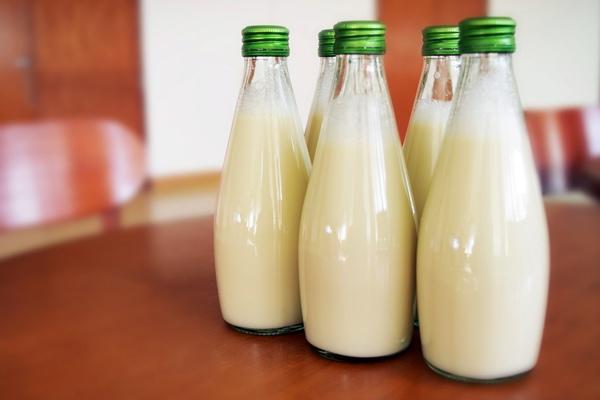 喝牛奶補鈣反造成骨質疏鬆?.jpg