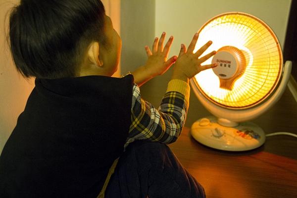 暖呼呼過冬,小心電暖器使用安全 !.jpg