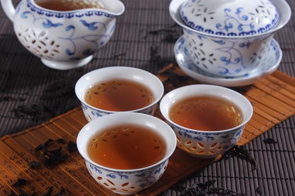 茶不能當水喝 小心腎結石找上門.jpg