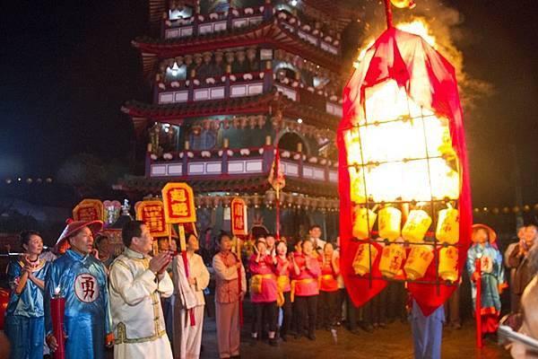 彰化花壇白沙坑文德宮-戲說台灣《福德老爺迎花燈》迎燈排拍攝殺青1.jpg