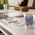 「打卡按讚送咖啡」以青花遶境圖,印製青花杯裝咖啡給民眾.jpg