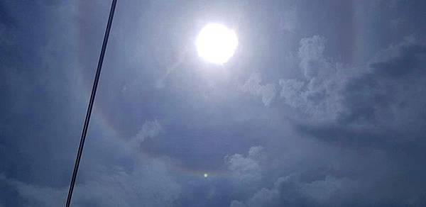 彰化天空現日暈 太陽多了大光圈2.jpg