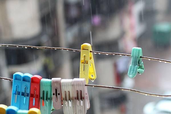 雨下不停怎麼曬衣 室內晾衣有訣竅.jpg