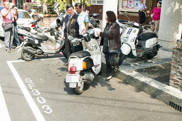 彰化市路邊停車收費成效會勘 彰警啟動專案強力取締違停1.png