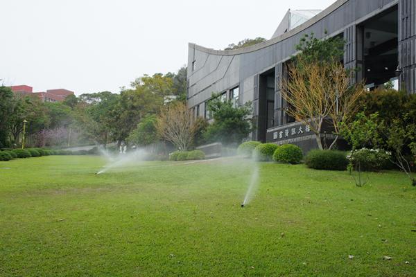 大葉大學大量運用回收雨水與中水澆灌校內花草.png
