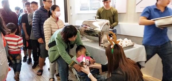 維瓦第建設請吃炸雞做公益 隨手樂捐助彰化家扶5.png