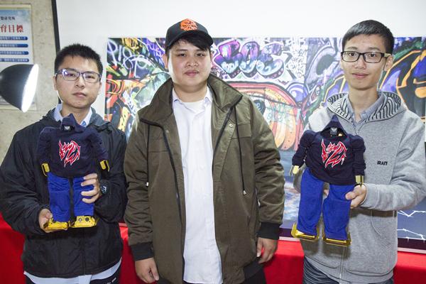 建國科大機器人嘻哈傑 舞進北京城拿獎牌2.png
