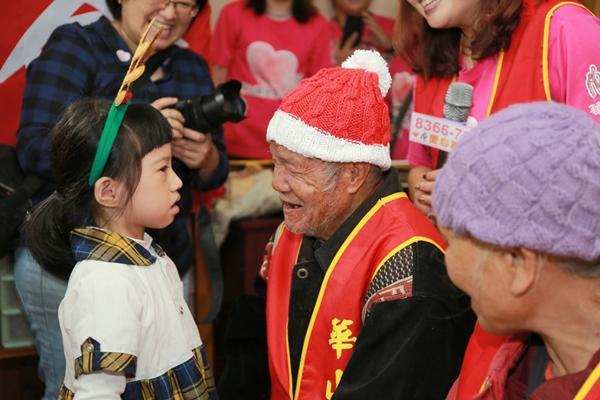 耶誕織愛送暖帽 和美天使站揪你40助孤老1.png