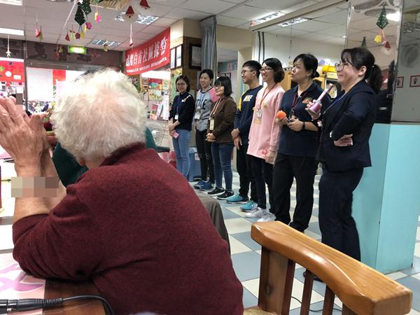 宏仁醫院憶起白首歲末同樂會 呼籲失智症警訊要留意1.png