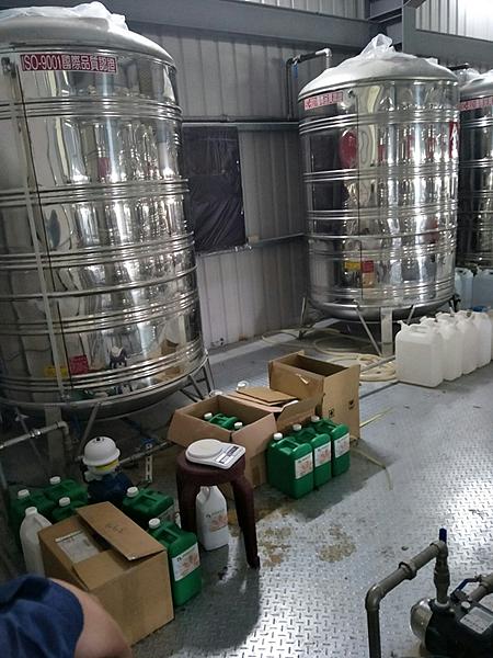 彰化檢警查獲假酒工廠 三萬多瓶流竄市面9.png