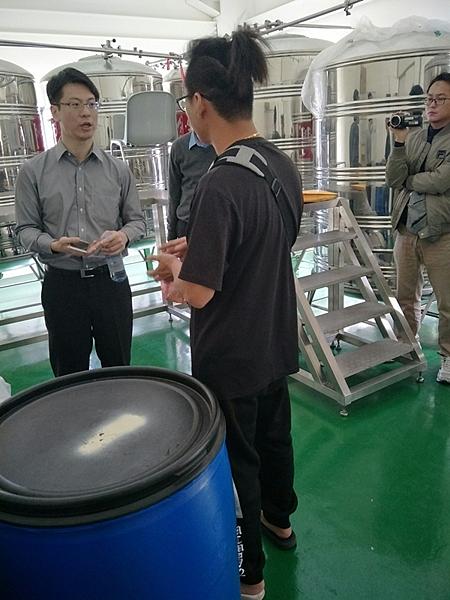 彰化檢警查獲假酒工廠 三萬多瓶流竄市面10.png