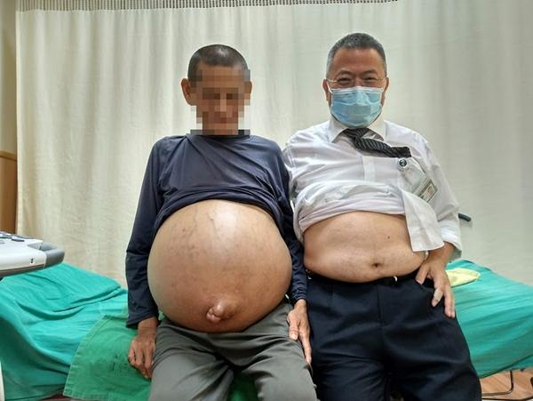 台中慈濟醫院歲末祝福 廖光福醫師善種子發光熱3.png