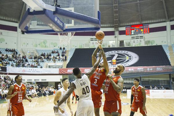 ABL東南亞職業籃球聯賽擠爆彰化縣立體育館9.png