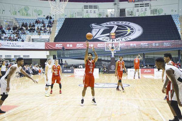 ABL東南亞職業籃球聯賽擠爆彰化縣立體育館10.png