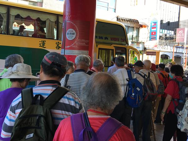因應春節返鄉出遊交通量 公路總局鼓勵搭乘大眾運輸工具享優惠1.png