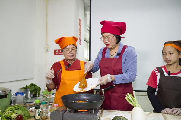 王惠美有約臉書直播教做年菜 彰化衛生局提供年菜食譜供下載6.png