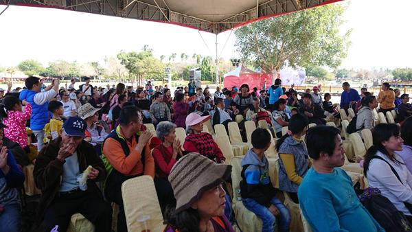 文德國小親子樂團展演 花在彰化溪州公園奏樂音4.png
