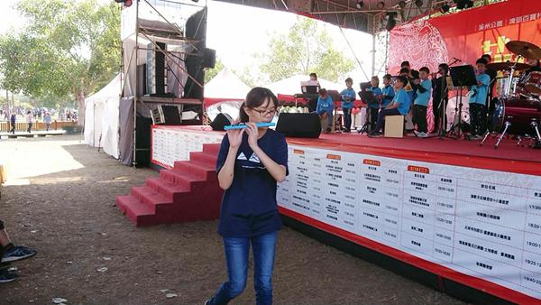 文德國小親子樂團展演 花在彰化溪州公園奏樂音3.png