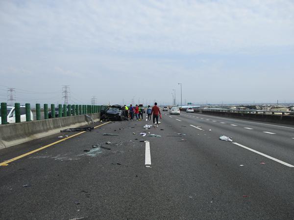國道三號南下彰化市路段 3輛車連環追撞事故所幸僅2輕傷7.png