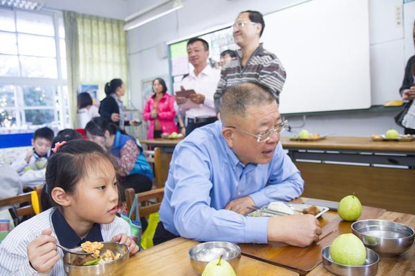 彰化縣免費營養午餐持續推動 朝向在地食材在地用保障青農銷路7.png