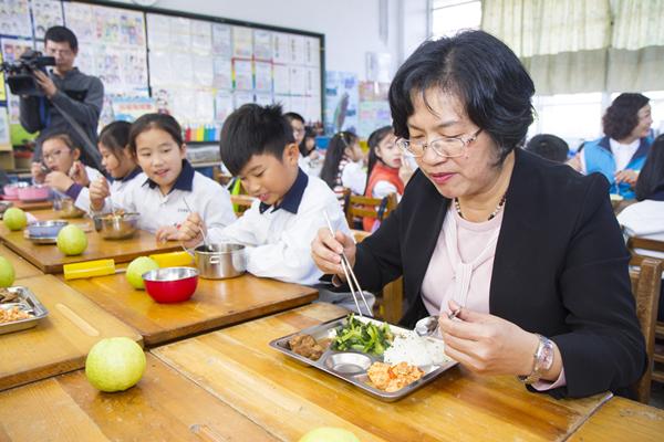 彰化縣免費營養午餐持續推動 朝向在地食材在地用保障青農銷路6.png