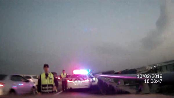國道3號逆向狂飆騎士不要命 自撞攔檢遭捕獲2.png