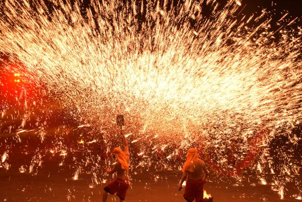 重慶銅梁火龍現身彰化溪州公園 花在彰化元宵節燦爛閉幕3.png