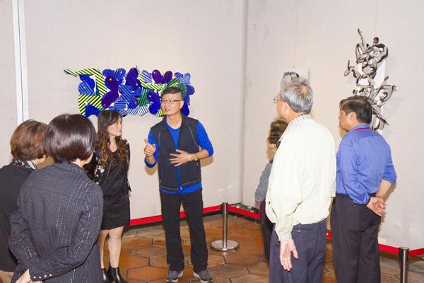施性輝烤漆鈑創作展 作品傳達對社會的反饋3.png