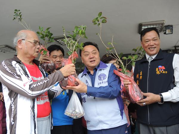 員林市公所響應植樹節 二千株樹苗兌換一空1.png