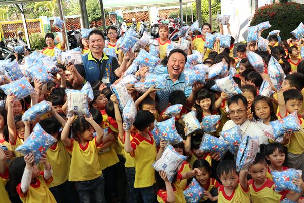 員林市公所慶祝兒童節 雄讚哥哥唱跳「學貓叫」2.png