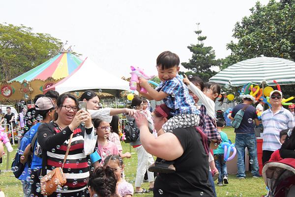 彰化兒童節「藝童歡樂趣」活動 近4千人親子齊聚溪湖糖廠1.png