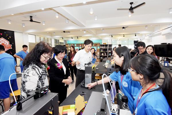 二林高中歡慶59週年校慶 自造教育及科技中心揭牌1.png