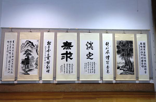尤錫輝詩書畫文存個展 尤錫輝回鄉鹿港公會堂展出2.png