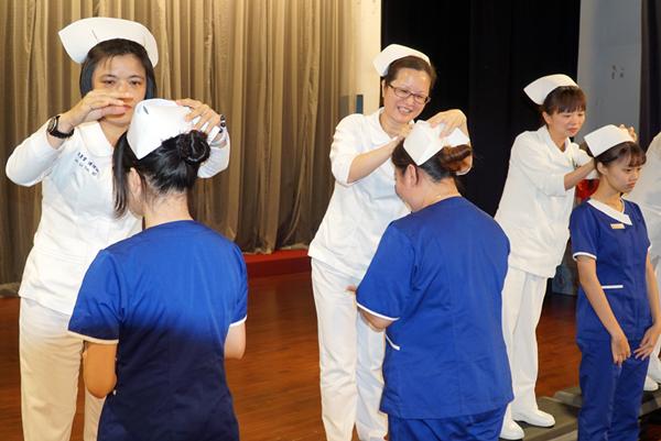 大葉大學產學合作護理系加冠典禮 香港學生來台一圓護理夢1.png
