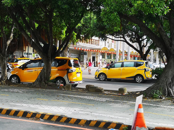 計程車汰舊換新補助資格放寬 小黃車齡10年以上把握月底前申請3.png