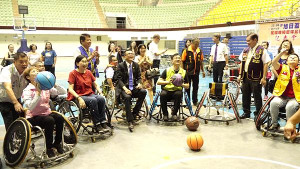 旭日盃全國輪椅籃球賽 20、21日彰化縣立體育館尬球技2.png