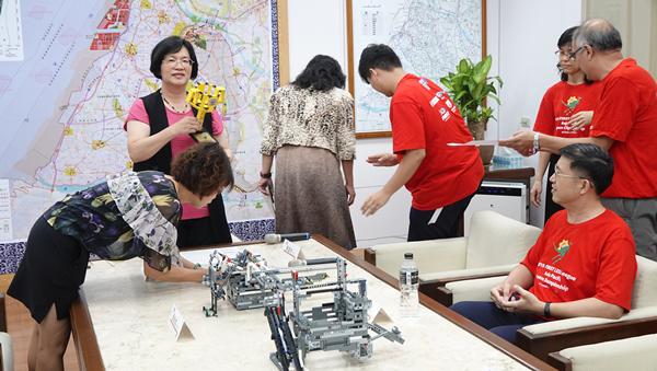 彰化子弟為國爭光 王惠美表揚世大運及樂高競賽冠軍選手2.png
