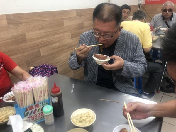 全國總工會交流接地氣 陳杰包遊覽車推廣彰化爌肉飯1.png